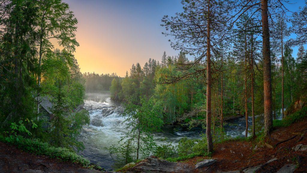 Kitkajoki sunrise© 2018Mikko Leinonen.